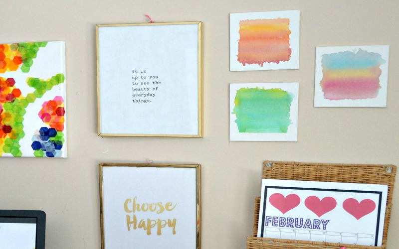 4 Free or Cheap Ways to Liven Up a Bare Wall