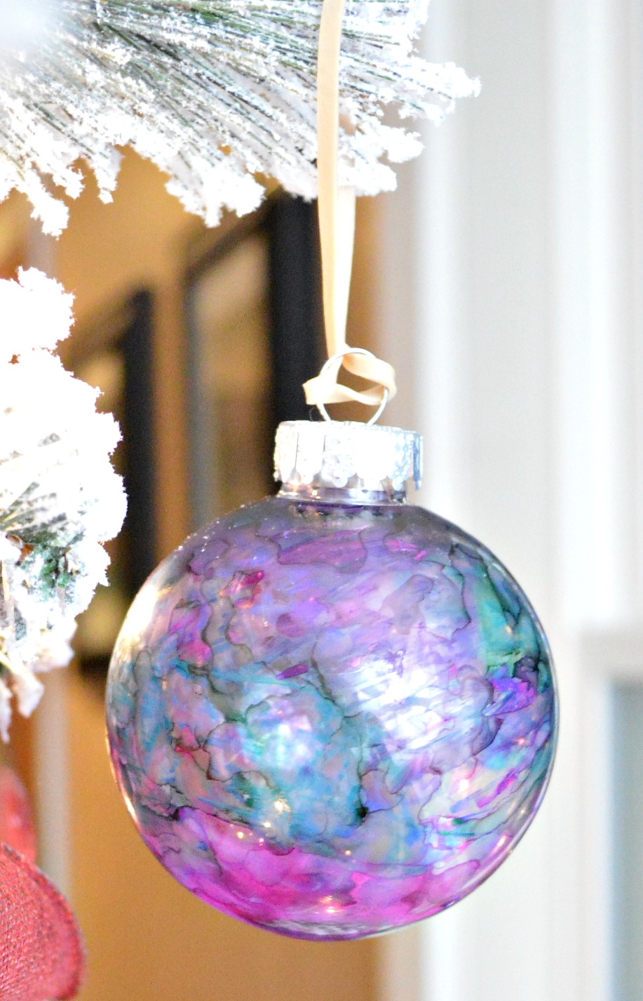 Marbled Sharpie Christmas Ornaments