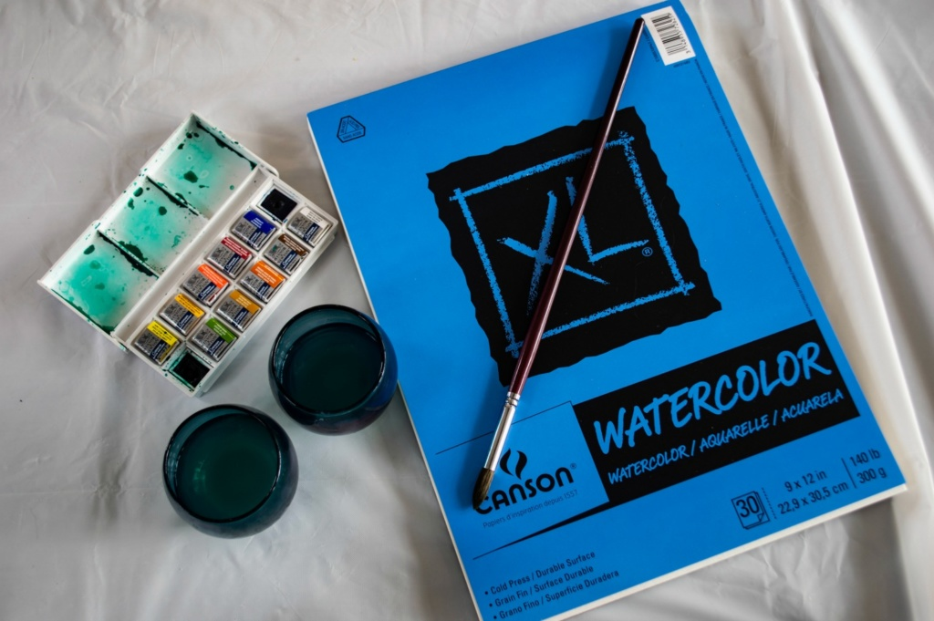 Materials for easy watercolor painting.