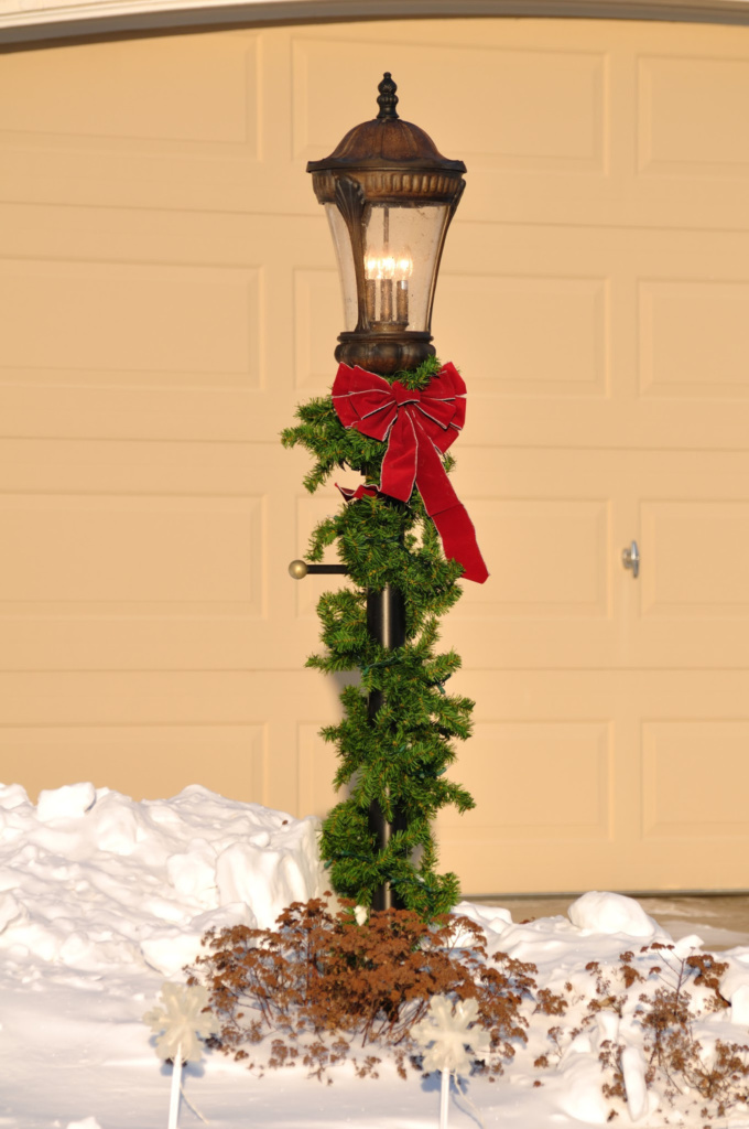 outdoor christmas decoration - lamppost